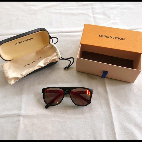 e1bea8c6c2 NWB Louis Vuitton Oliver Sunglasses - Unisex